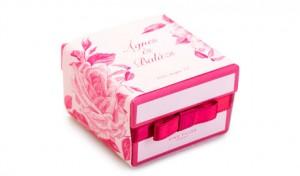 moment-pink-box